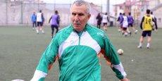 69 yaşlı futbolçu transfer olundu