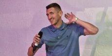 Ukraynalı futbolçu Müslüm Maqomayevin mahnısını oxudu - VİDEO