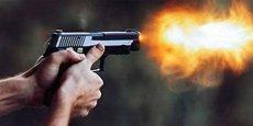 Super Liqa klubunun binasına silahlı hücum
