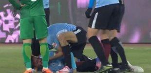 Məşhur futbolçu meydanda huşunu itirdi - VİDEO