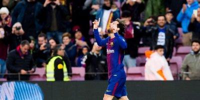 Messi 39 illik rekordu qırdı - VİDEO
