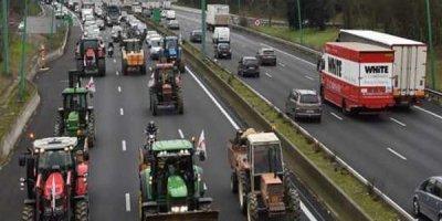 Oyundan əvvəl şəhər qarışdı: fermerlər ayağa qalxdı - FOTO
