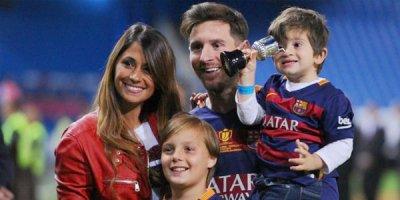 Messi üçüncü dəfə ata oldu