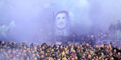 David Astori yad edildi, bütün stadion ağladı - FOTOLAR