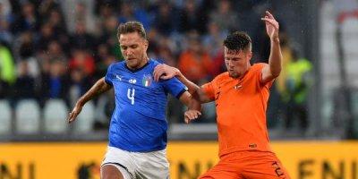 İtaliya - Hollandiya oyununda 2 qol, 1