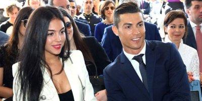 Ronaldonun başı dərddə: uduzduqları oyundan sonra 60 qadınla əyləniblər