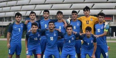 Milli komandamıza 27 futbolçu çağırıldı