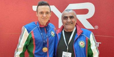 Azərbaycan üzgüçüsü dünya seriyasında qızıl medal qazanıb