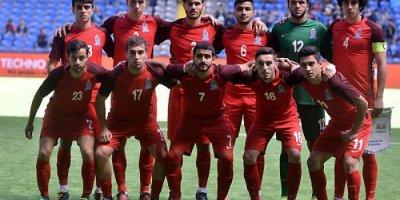 Millimizə 24 futbolçu çağırıldı