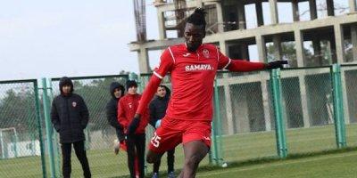 Bakı klubunun futbolçusu Syerra-Leone millisində