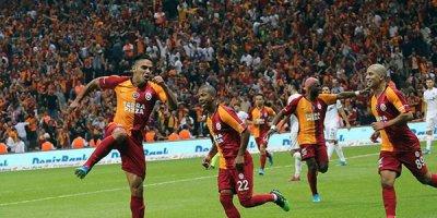 """""""Qalatasaray""""ın oyununda Azərbaycan bayrağı - FOTOLAR"""