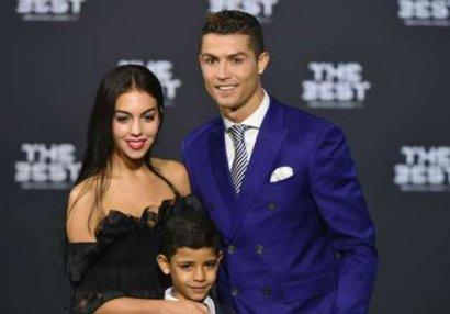 Bu da Ronaldonun yeni sevgilisi - FOTO