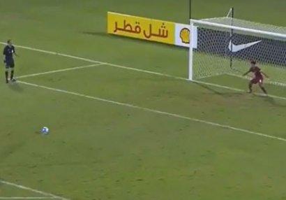 Futbol tarixində görünməmiş olay - VİDEO