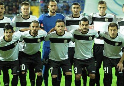 """""""Neftçi"""" bu futbolçuları Antalyaya apardı (SİYAHI)"""