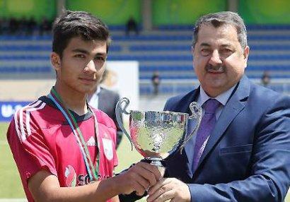 Qurban Qurbanovun oğlu Azərbaycan millisinə çağırıldı