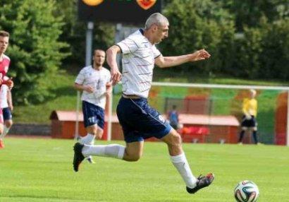 Vüqar Latviyada klubunu dəyişdi, debüt oyununda qol vurdu