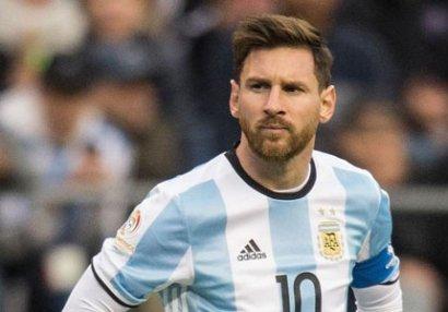 Argentinada Messiyə hücum etdilər - FOTOLAR