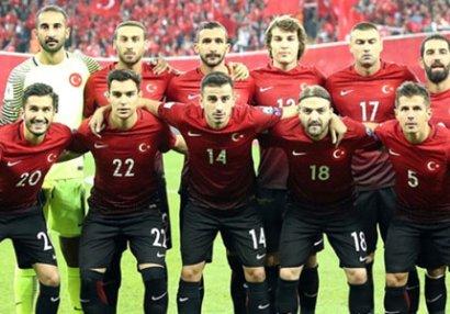 8 futbolçu Türkiyə millisindən imtina etdi - SİYAHI