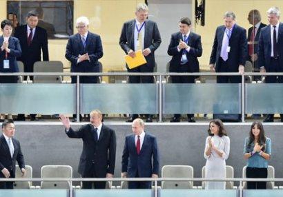 İlham Əliyev və Putin cüdo yarışlarını izləyib (FOTOLAR)