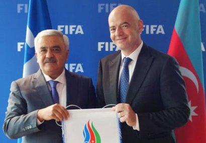 Rövnəq Abdullayev FIFA prezidenti ilə görüşüb - FOTOLAR