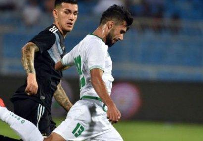 Futbolçu oyun zamanı anasının ölüm xəbərini aldı - VİDEO
