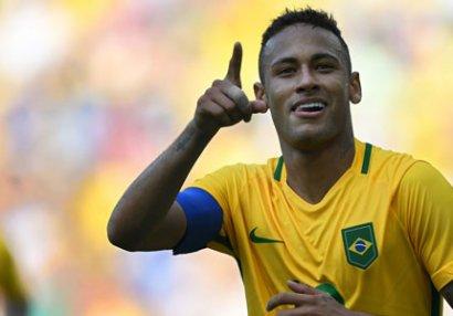 Neymar zədələndi, Braziliya uddu