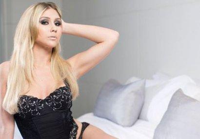 26 yaşlı model 19 yaşlı futbolçu ilə keçirdiyi gecədən danışdı - FOTOLAR