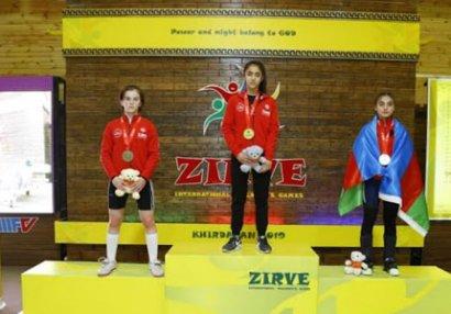 7-ci Zirvə Oyunlarının ilk qalibi Türkiyə idmançısı oldu