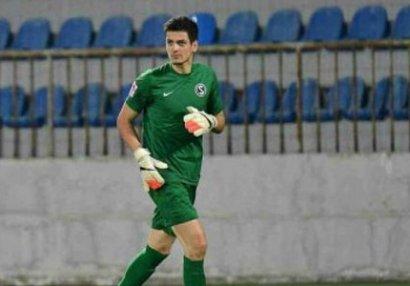 Emil Balayevdən daha bir uğurlu oyun: penaltini dəf etdi - VİDEO