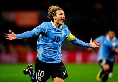 Dieqo Forlan futbolla vidalaşdı
