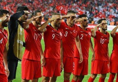 """UEFA-dan """"əsgər salamı"""" açıqlaması"""