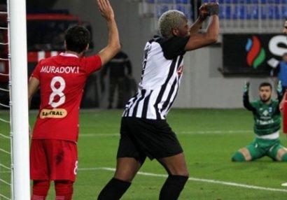 """Premyer Liqada 75-ci oyun, 35-ci qol, """"Neftçi""""də 15-ci qol"""