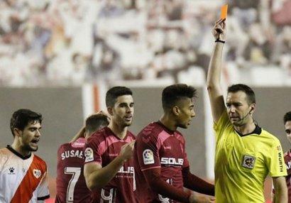 Millimizin futbolçusu İspaniyada 2 oyunluq cəzalandırıldı
