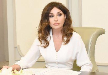 Mehriban Əliyeva güləşçilərimizi təbrik etdi - FOTO