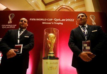 Növbəti korrupsiya qalmaqalı: FIFA rəhbərliyi Rusiya və Qətərdən rüşvət alıb?