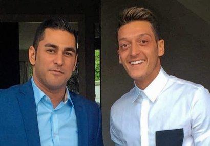 Özilin meneceri futbolçulara məsləhət verdi:
