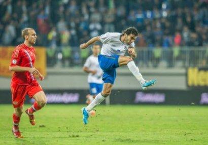 BİZİM FUTBOL: Rusiyanı Bakıda sevinməyə qoymayan milli ümid - VİDEO