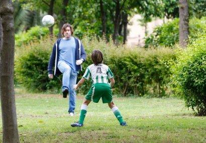Karantin rejiminin yumşaldılmasını futbol oynamaqla
