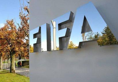 FIFA yaz-payız sisteminə keçir