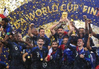 Dünya çempionu qızıl medalını satdı