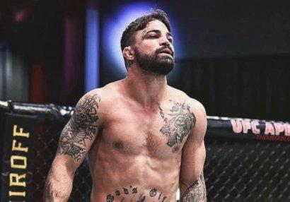 UFC döyüşçüsü restoranda dalaşdı - VİDEO