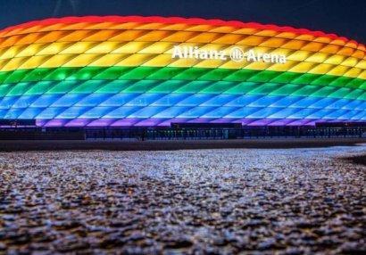 Стадион «Баварии» окрасился в цвета ЛГБТ-движения, в знак поддержки сексменьшинств