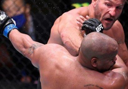 Миочич победил Кормье и отстоял титул чемпиона UFC (ВИДЕО)