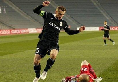Azərbaycanda eyni klubda ən çox meydana çıxan futbolçu kimdi?