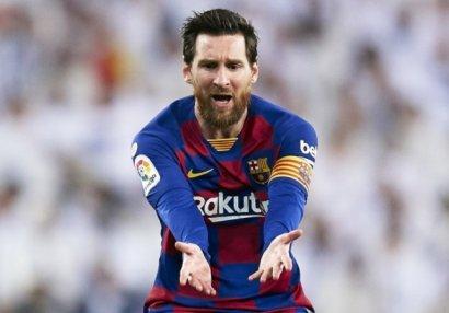 Лионель Месси запросил у ФИФА свой трансферный сертификат