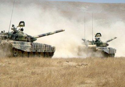 Tonaşendə düşmənin iki tankı belə məhv edildi - VİDEO