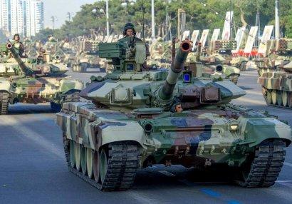 İşğalçıları Qarabağdan qovan tanklarımız