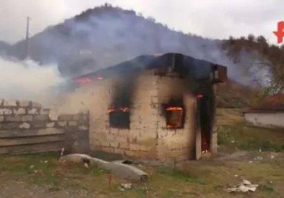 Ermənilər geri qaytarılan 7 kəndi də yandırmağa başladı - VİDEO