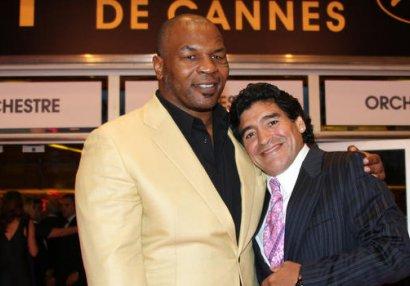 Tayson Maradonanın ölümünə belə reaksiya verdi - FOTO