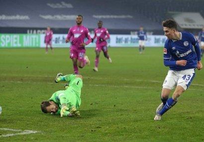Bundesliqa klubu bir il sonra ilk qələbəsini qazandı